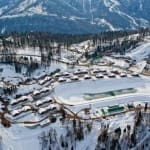 Lac et Route fédérale pour accès village olympique Laura à Sotchi (Russie)